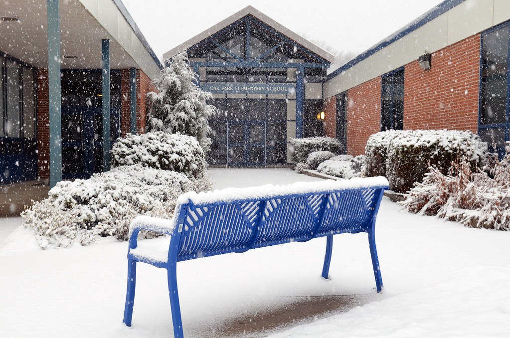 Description of . Oak Park Elementary School in Lansdale during a morning snowfall.  (The Reporter/Geoff Patton)